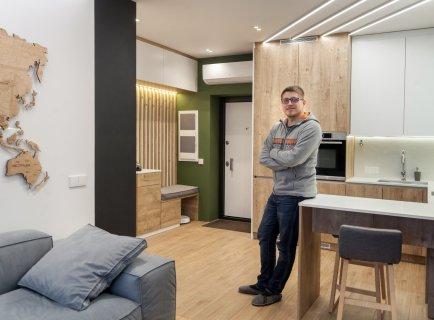 44 розетки в однокімнатній квартирі. Реалізація Dub flat